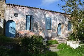 """Το σπίτι του Μίκη Θεοδωράκη και του Γιάννης Θεοδωράκη στο Γαλατά Χανίων. (Από την εφημερίδα """"Χανιώτικα Νέα"""")."""