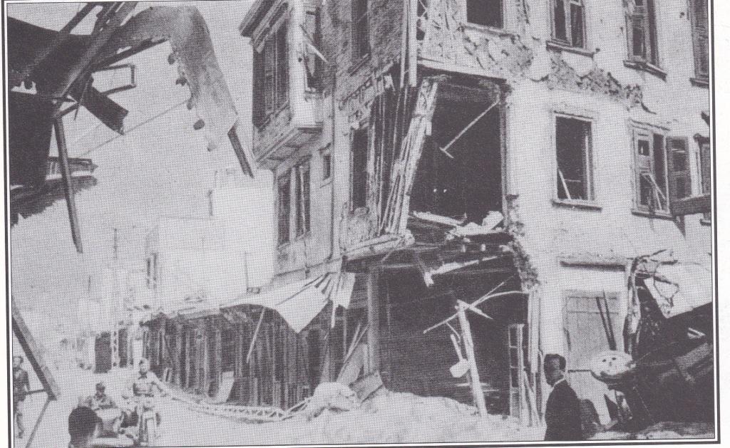 Zerstörte Häuser und Strassen. Nur wenig Leben regt sich in Strassen von Heraklion