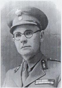 Ταγματάρχης Δημήτρης Μιχελογιάννης, διοικητής του 2ου Τάγματος του 14ου Συντάγματος του ΕΛΑΣ. Διακρίθηκε στη μεγαλύτερη μάχη του ΕΛΑΣ απέννατιθ στους Γερμανούς στην Κρήτη, στη μάχη της Παναγιάς (Κεραμειών), το Νοέμβριο του 1944