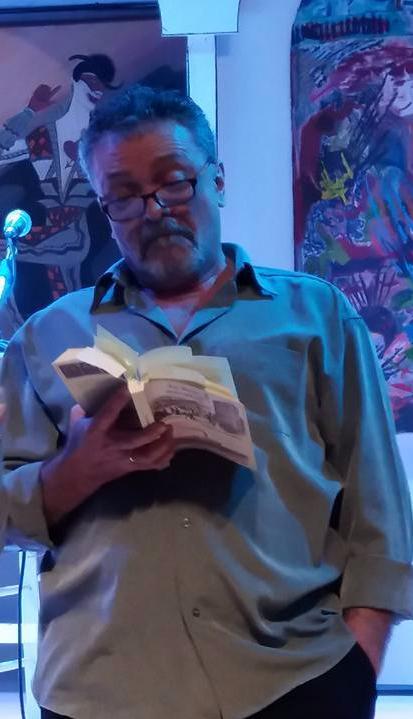 """Ο Γιώργος Ηλιάδης στην παρουσίαση του μυθιστορήματος """"Τα δυο πουγκιά"""" στο Πολύκεντρο Νεολαίας του Δήμου Ηρακλείου"""
