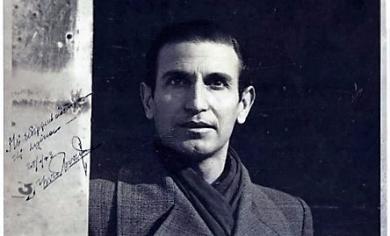 Ο Μενέλαος Λουντέμης σε φωτογραφία του 1943