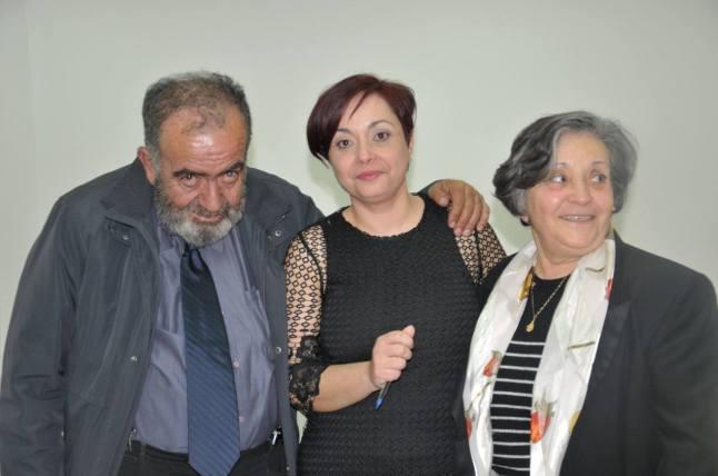 Η Κωνσταντίνα Χαριτάκη με τους γονείς της