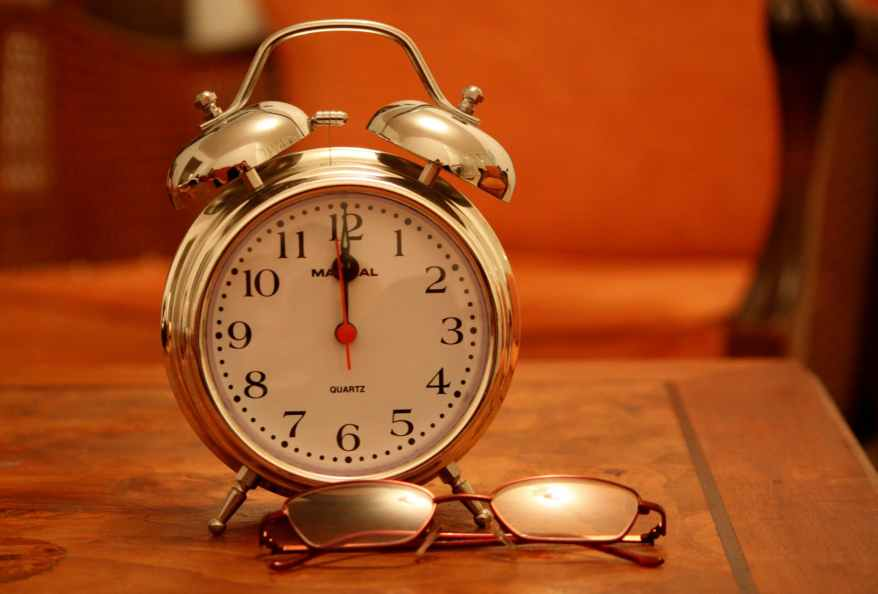 alarm clock analogue antique classic