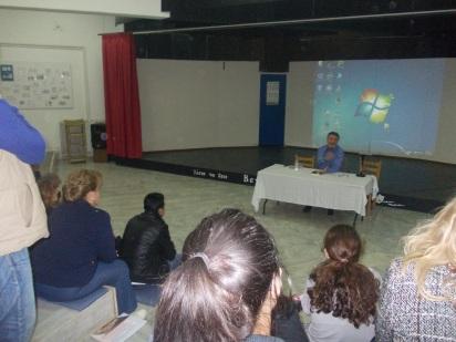 Ο Γιώργος Ηλιάδης στην παρουσίαση του βιβλίου στο Βενεράτο