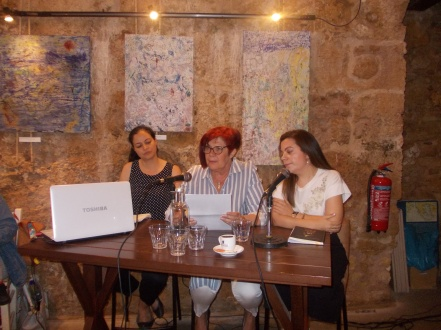 Από αριστερά: Μαρία Μιχελογιάννη, Μαρία Κληματσάκη, Γιούλα Κανιτσάκη.